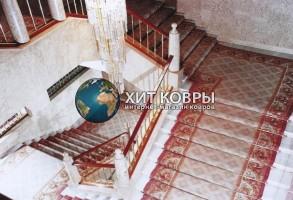 Укладка коврового покрытия, дорожек на лестницу